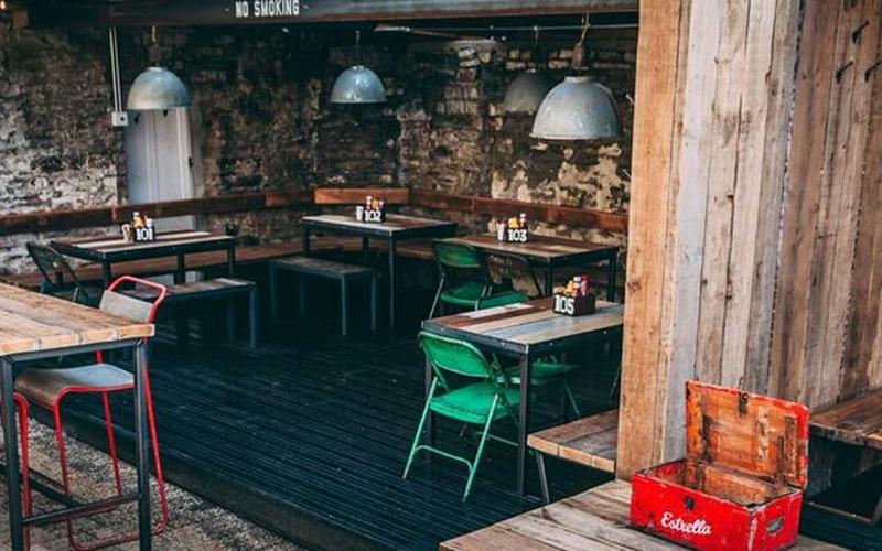 Hubbox Truro tables