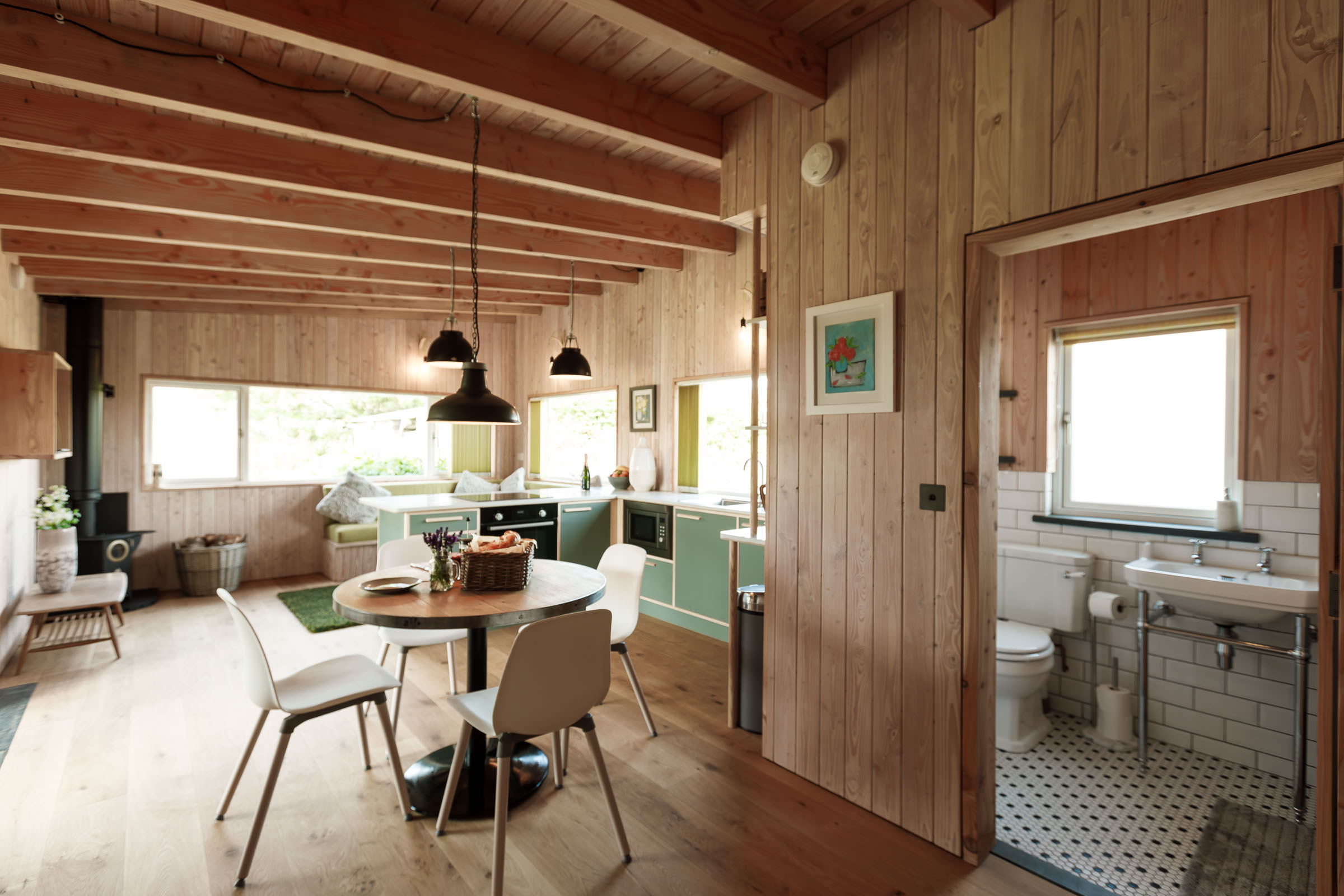 Gekko Design Hellesveor Cabin living area