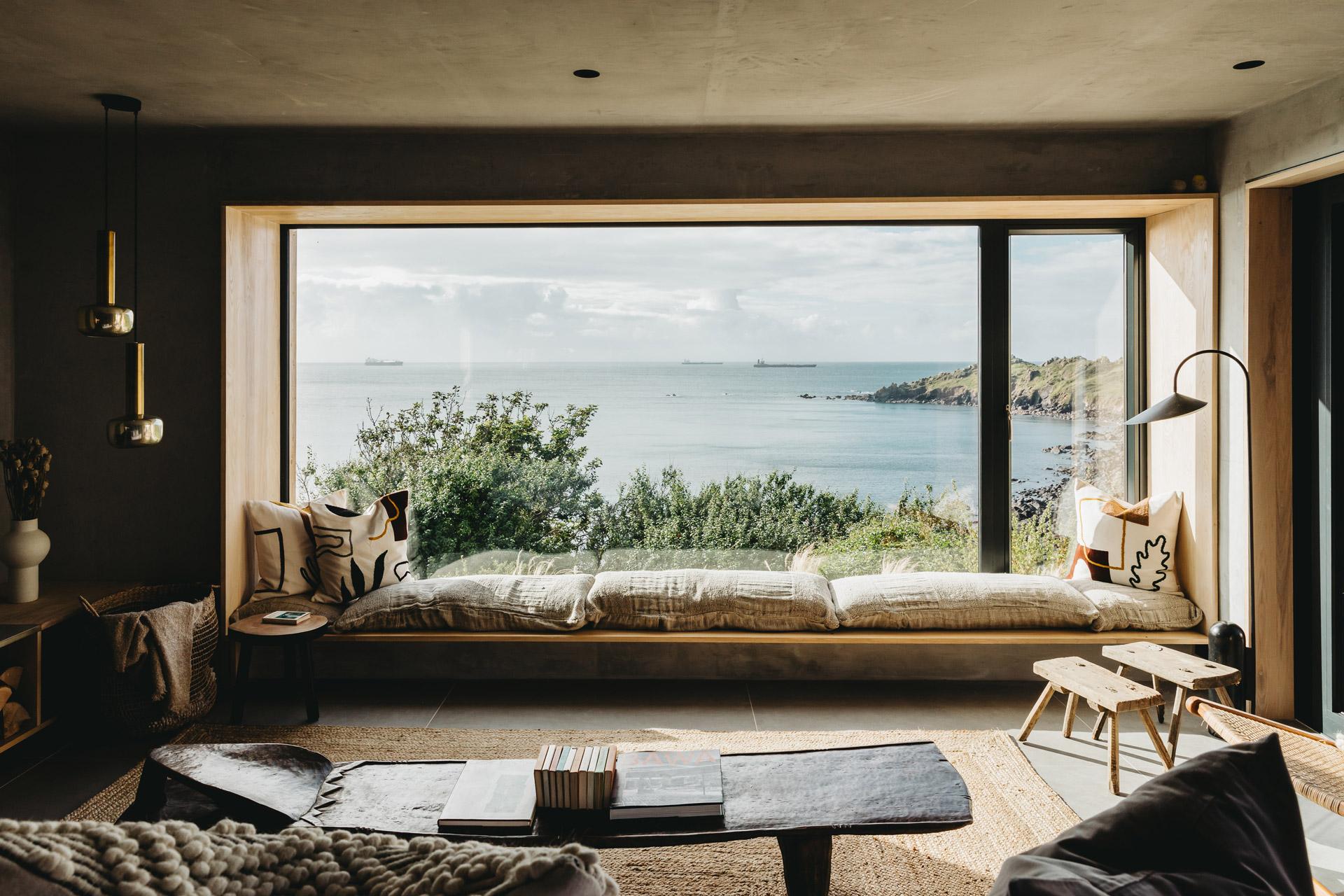 Ukiyo House Refurb window seat